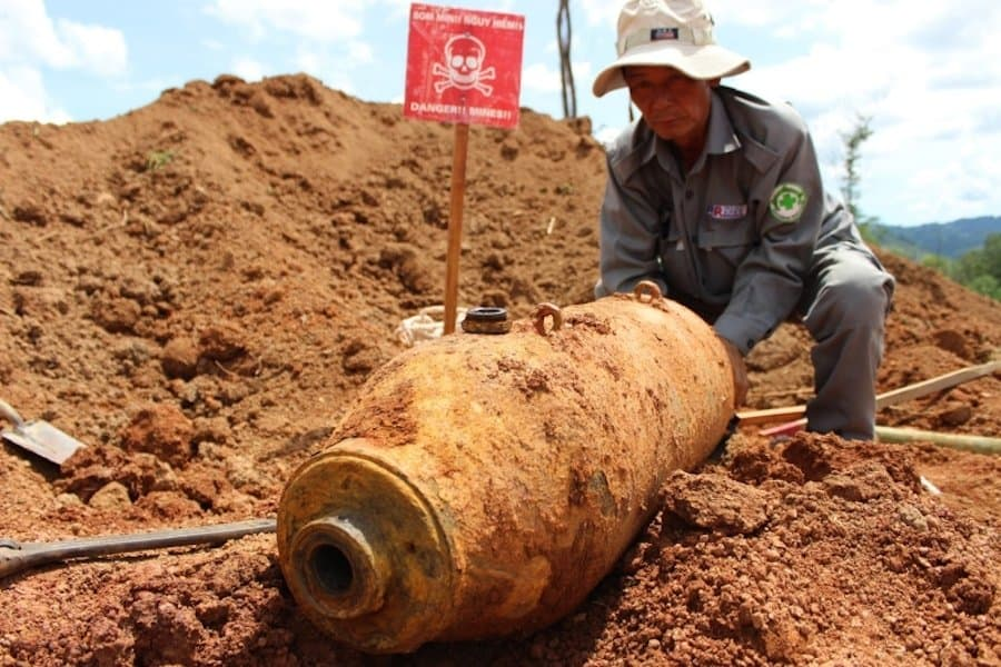 250-pound US-made aerial bomb removed  from Vietnam construction site